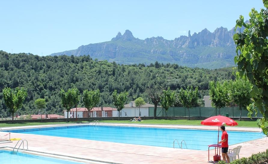 Castellbell i el vilar enceta nova temporada de la piscina for Piscina olesa de montserrat